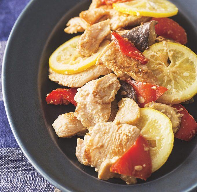 忙しい日のお助けメニューに。加熱時は解凍&味付け不要!「鶏むね肉」の下味冷凍術