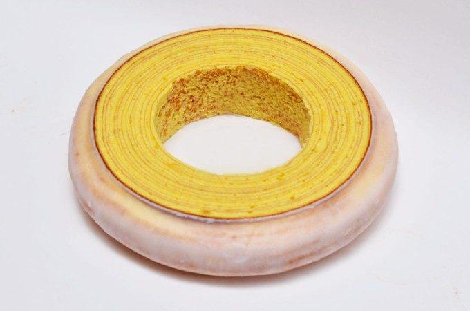 壺のような見た目だけど実はスイーツ?!「洋菓子ヴィヨン」の精巧に作られたバウムクーヘン
