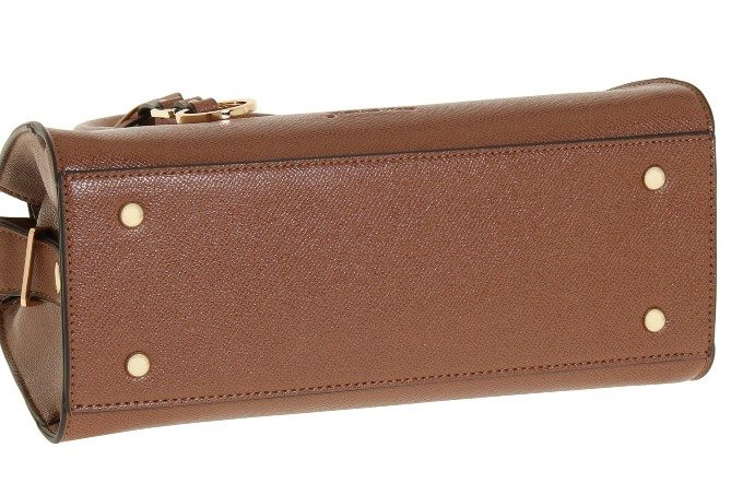 今秋トレンドの「クラシカル」デザイン。秋冬コーデに取り入れたい上質ハンドバッグ特集