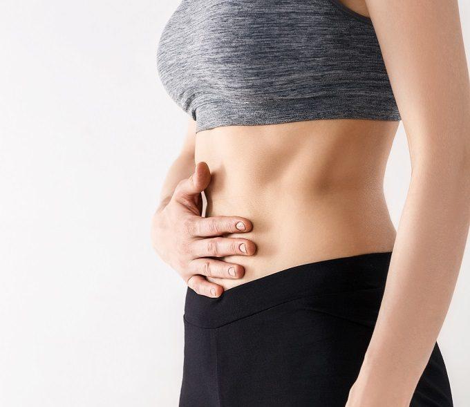 ワンサイズ下のボトムスを目指す!下腹ぽっこりの原因と家で簡単にできるお腹痩せエクササイズ
