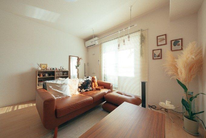 穏やかな初秋が感じられるお部屋に。ナチュラルな床色にも合うインテリア選びのコツ8つ