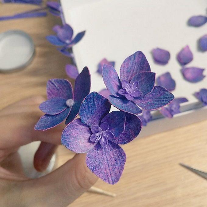 和紙から作り上げられる繊細な色彩と造形の花々。「konohana」の紙造花で部屋に彩りを