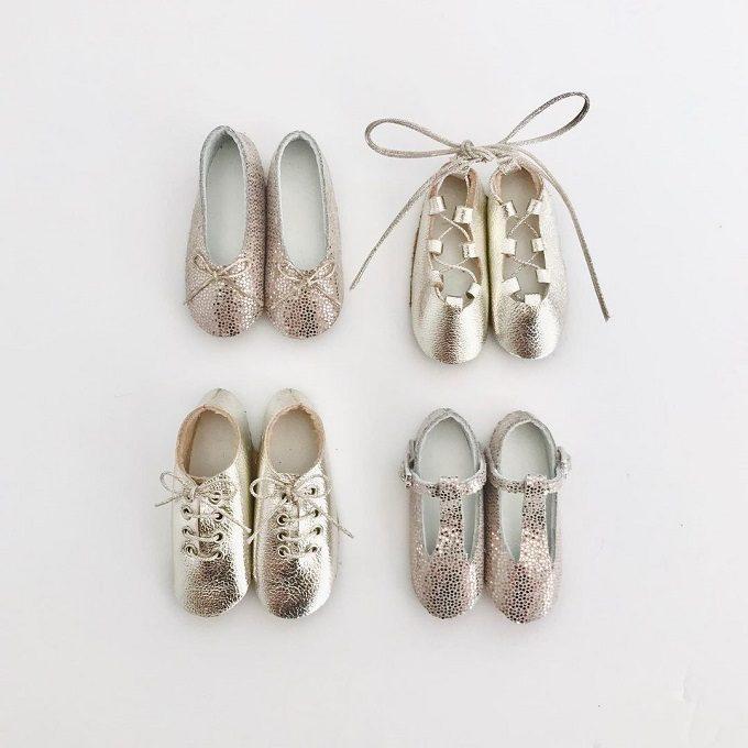 まるでドールハウスから飛び出てきたかのよう。心ときめく「nap*」ミニチュア革靴ブローチ