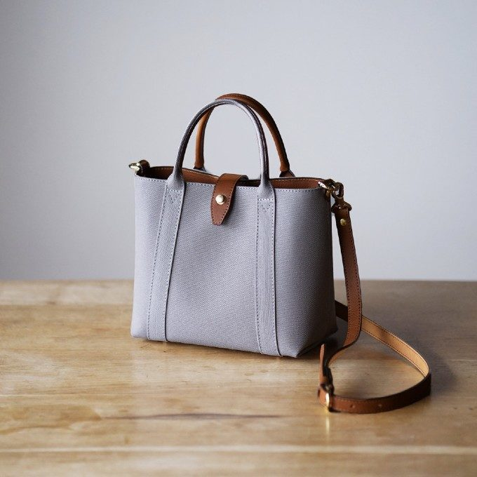 肩掛け・斜め掛け・手持ち。ちょっとしたお出かけにも便利な秋色ミニトートバッグ特集