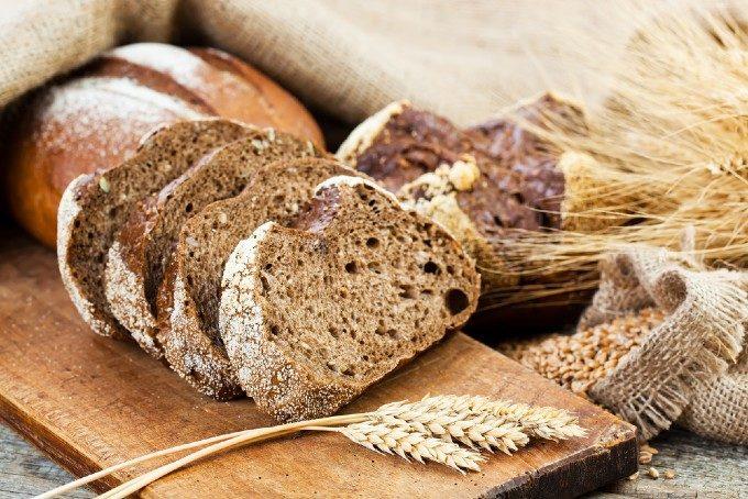ダイエット中のパンは我慢?管理栄養士に聞く太りにくいパンの種類と食べ方とは