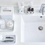 まるでホテルのよう。スッキリクリーンな白い洗面所を作...
